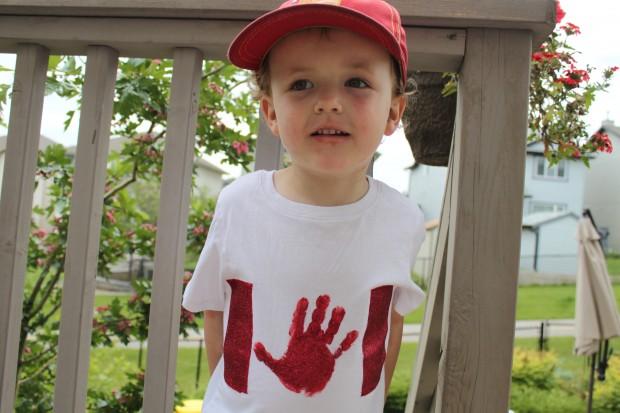 DIY Canada Day Shirts!