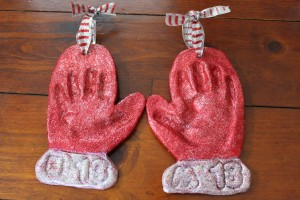 Handprint Mitten Ornaments 8