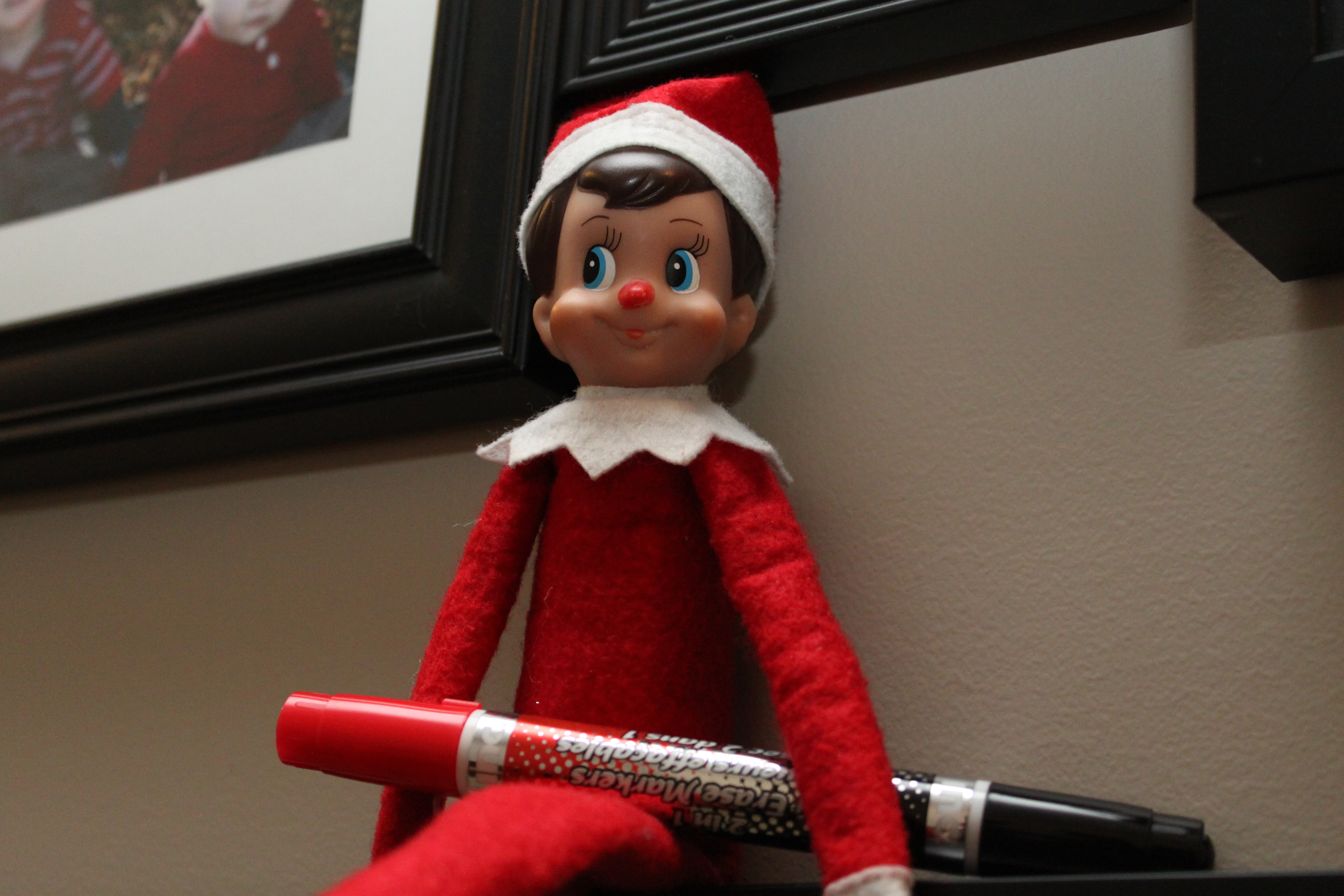 what is up with the elf on the shelf